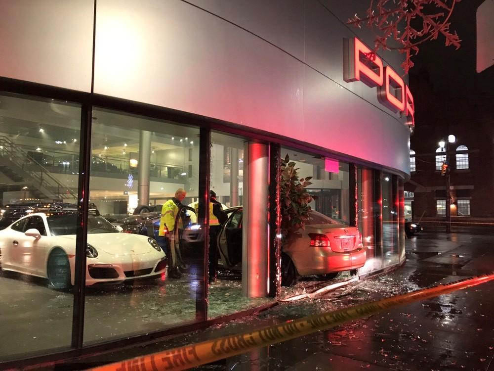 Car Dealers Toronto >> Driver Arrested After Crashing Into Porsche Dealership