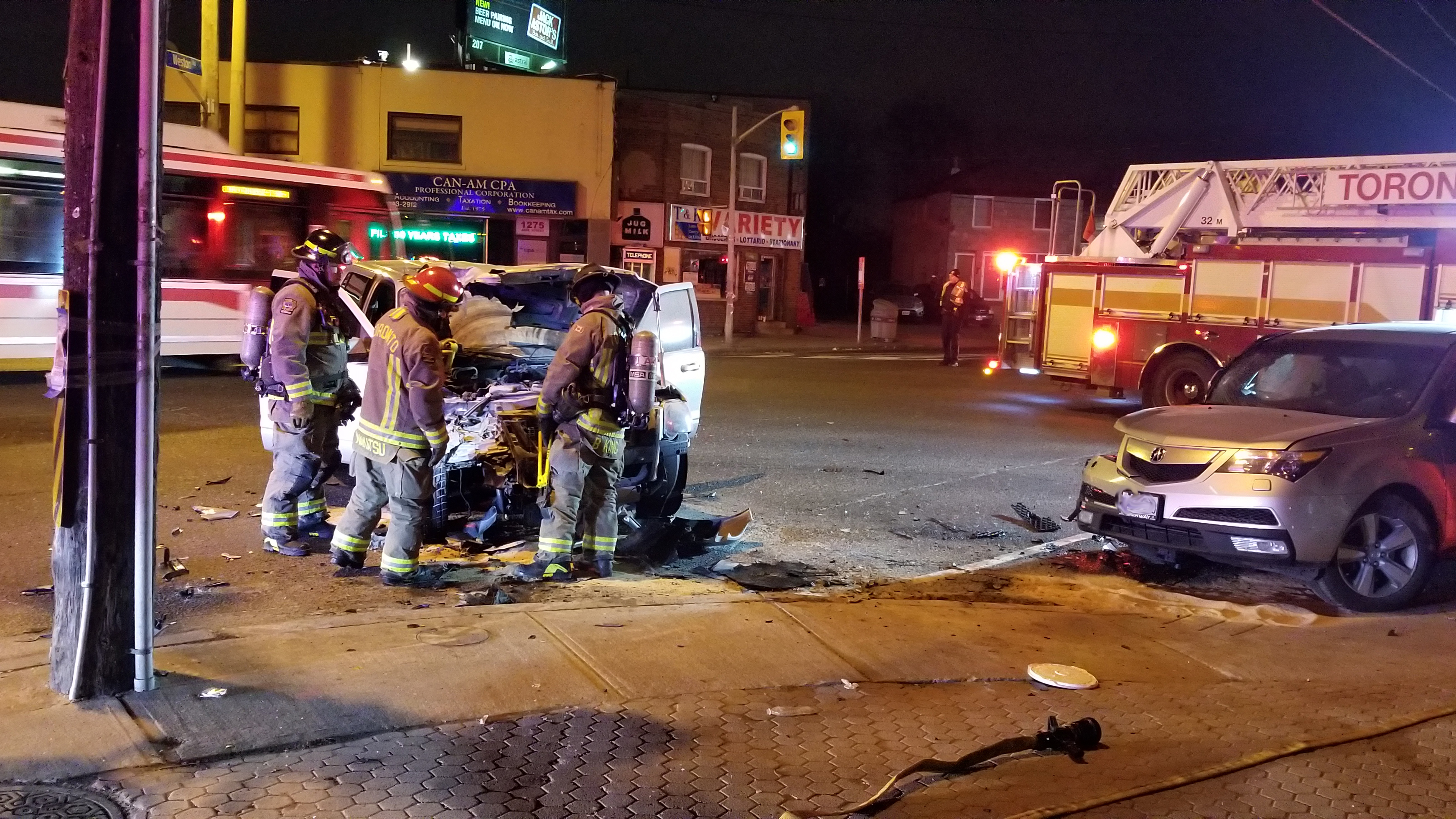 1 injured in crash at Jane St  and Weston Rd
