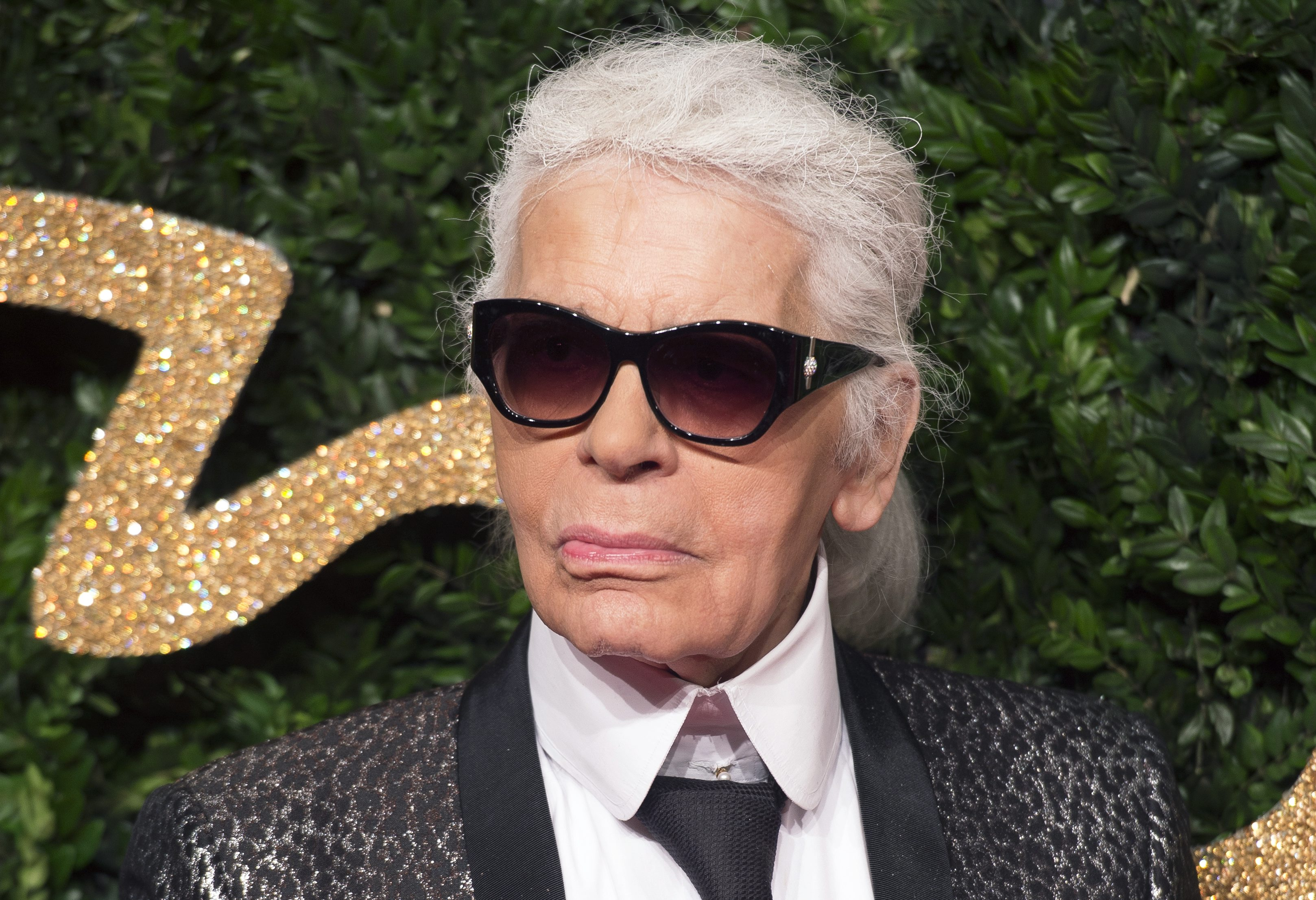 Iconic couturier Karl Lagerfeld has died
