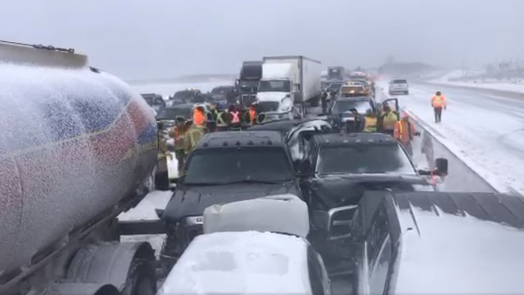 Hwy  400 reopens near Barrie after pile-up involving over 70