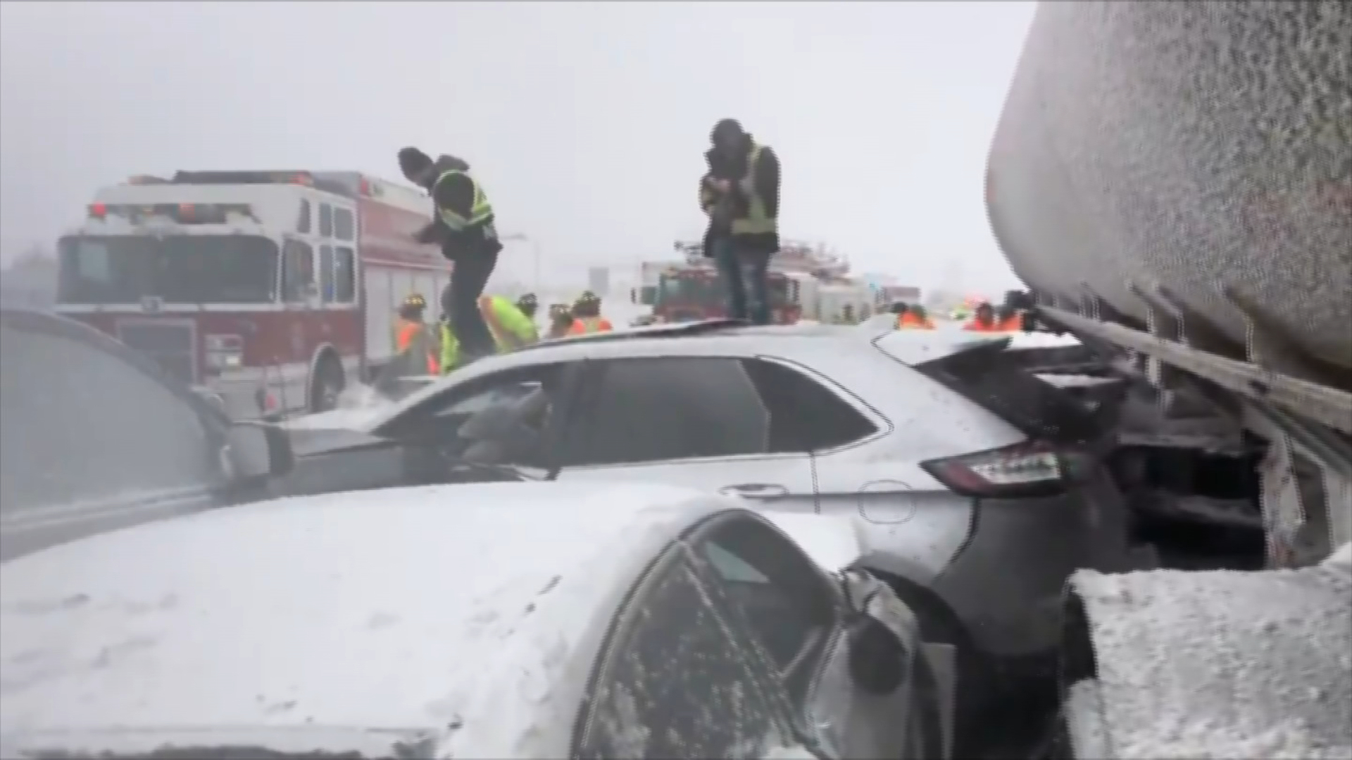 Hwy  400 reopens near Barrie after pile-up involving over 70 vehicles