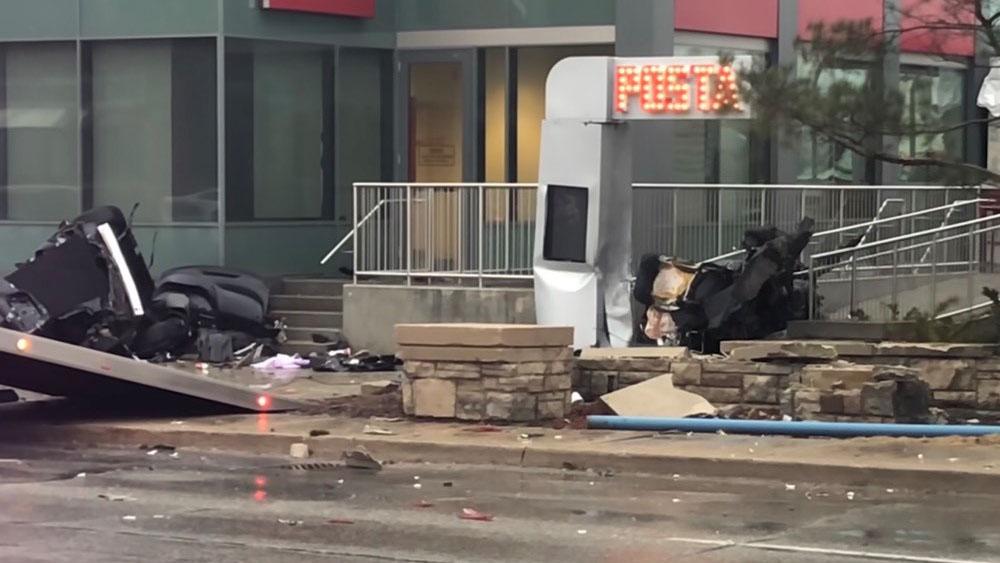 One man dead in violent single vehicle crash in Mississauga