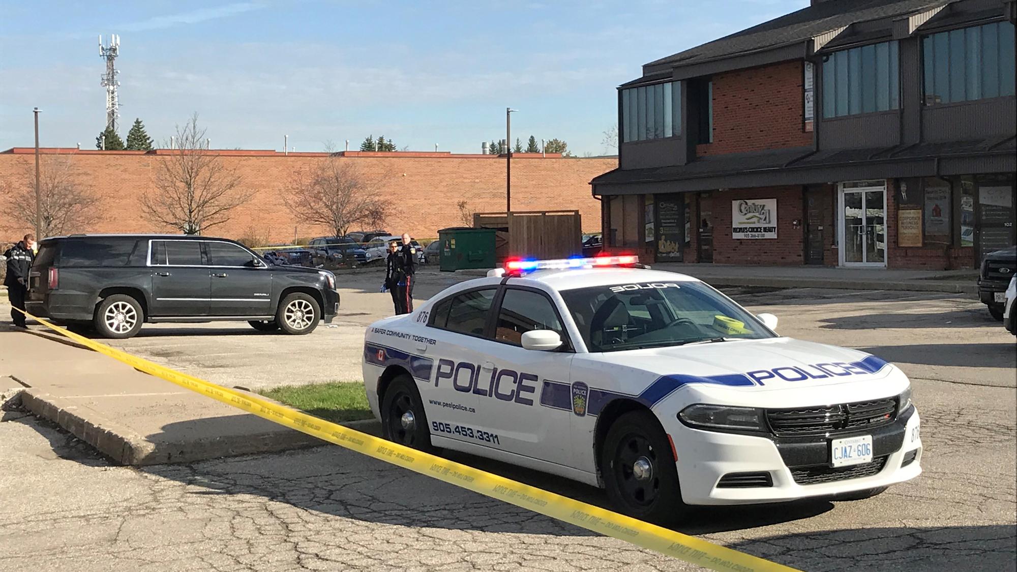 Man critically injured in Mississauga shooting