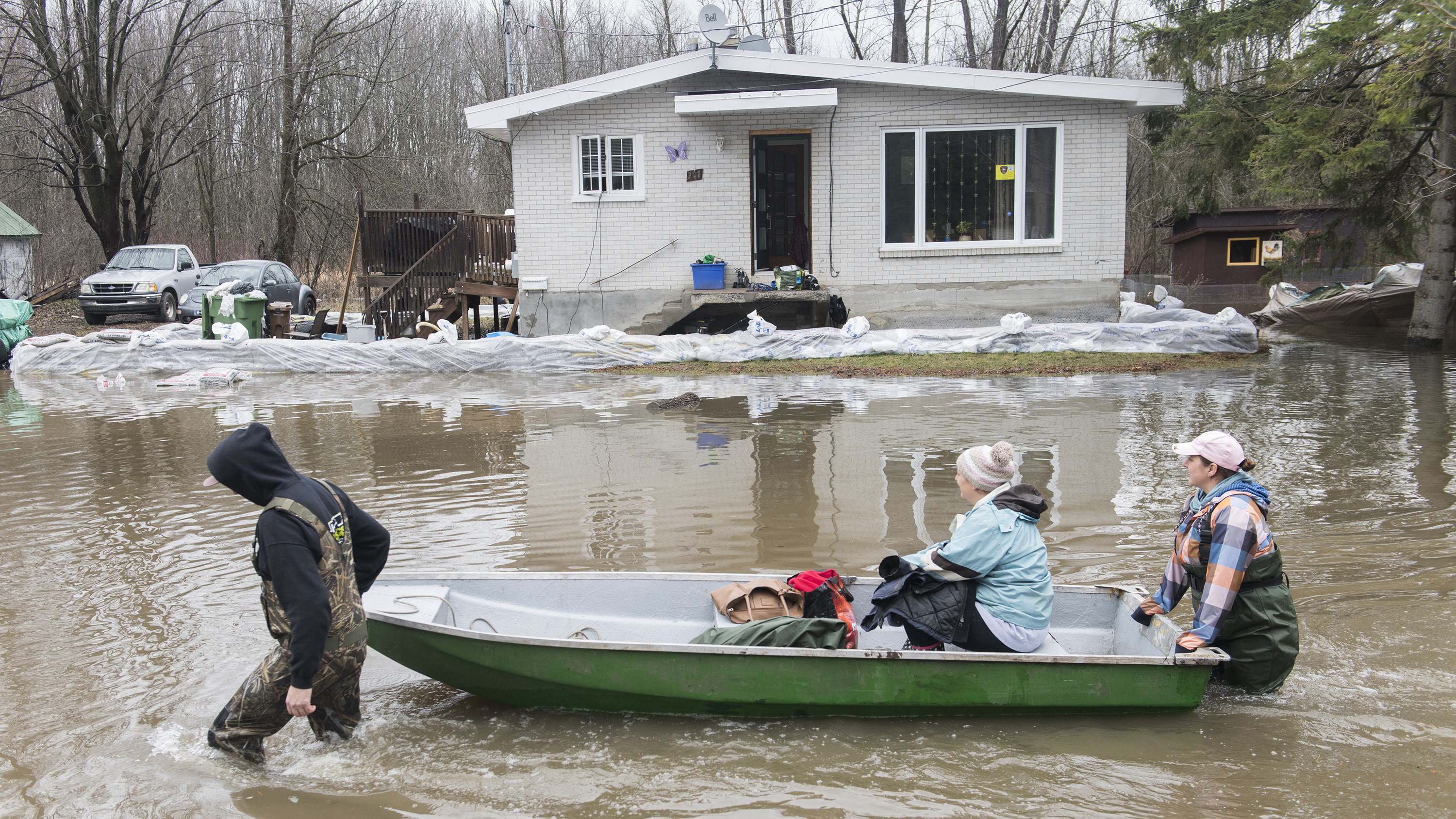 Eastern Canada battles flooding after days of rain