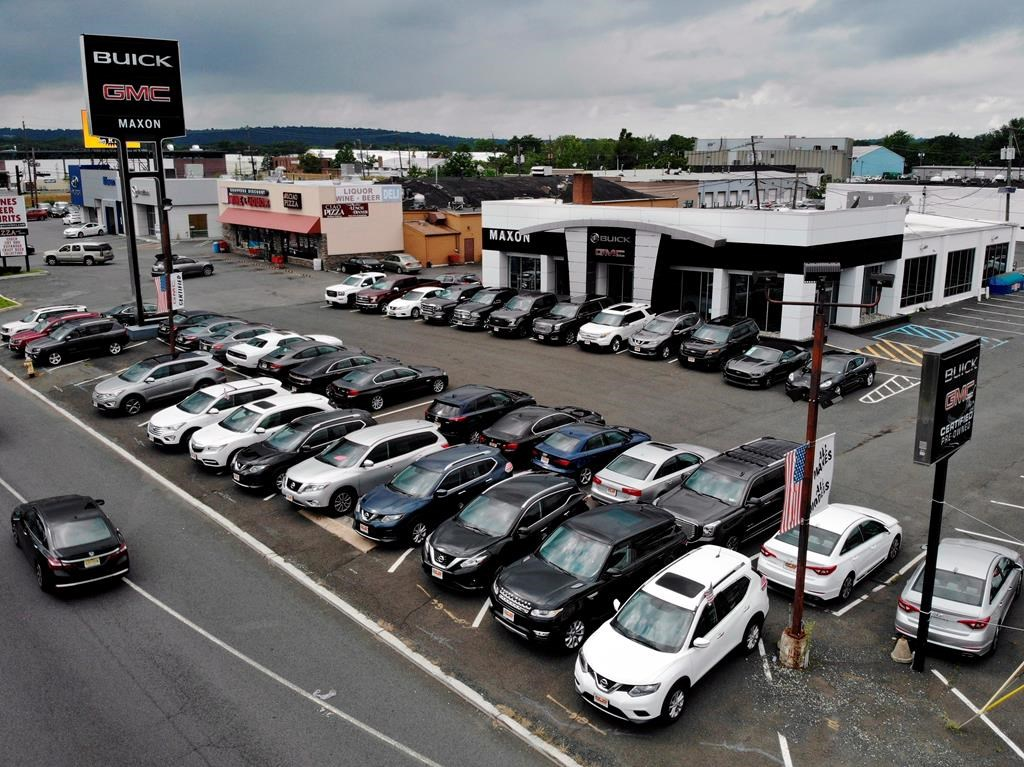 Toronto Car Sales >> Auto Sales Fall 2 5 Per Cent In March As Downward Trend