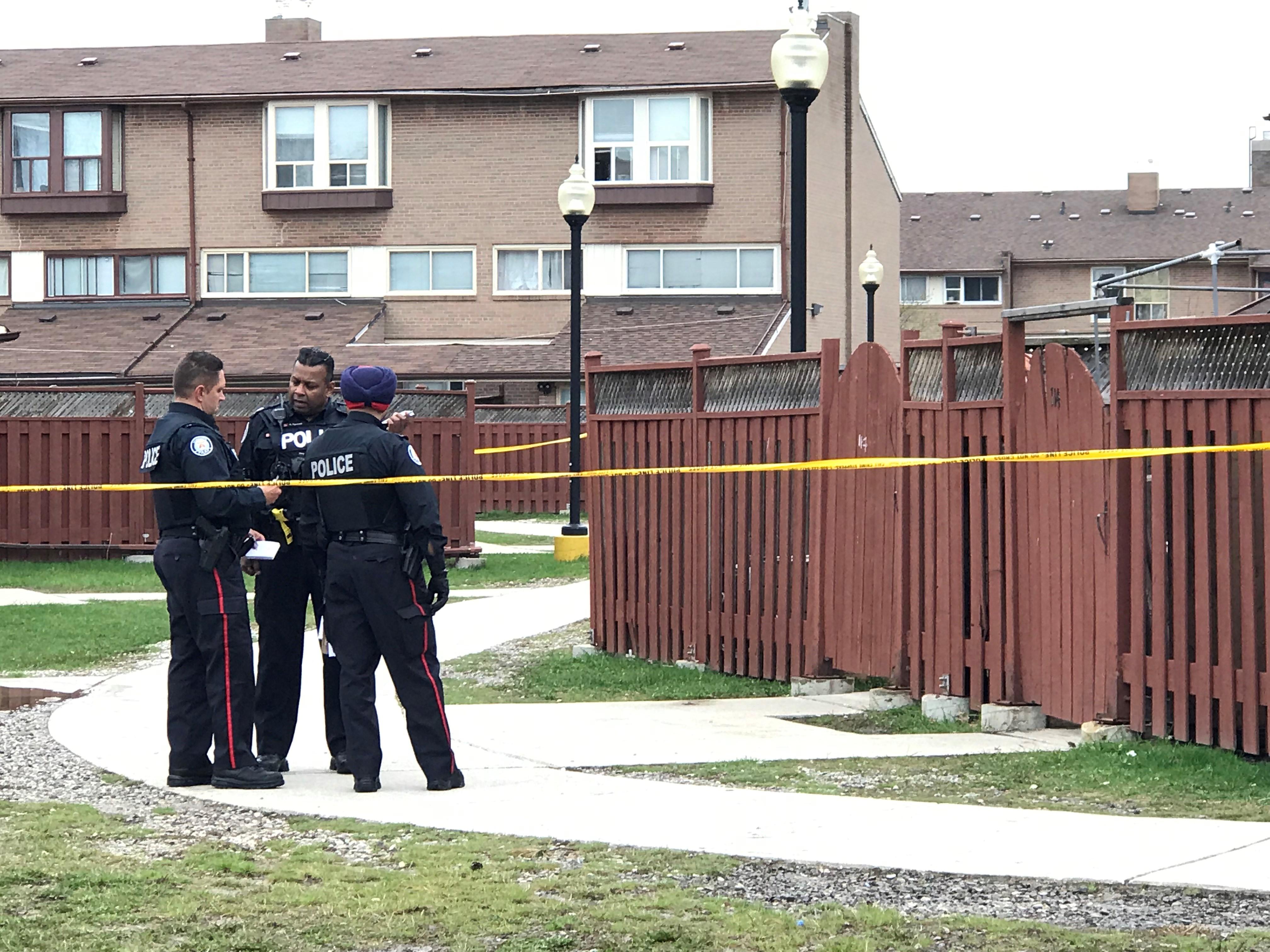 1 man dead after shooting in Etobicoke