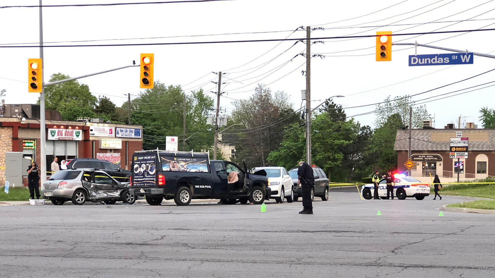 Woman killed in 3 car crash in Mississauga