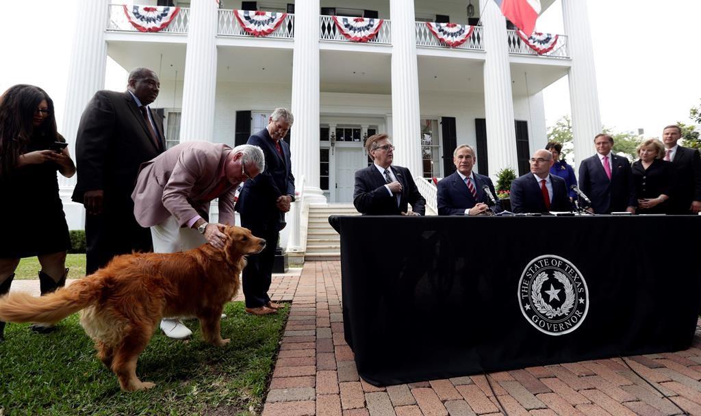 Texas governor announces $1 6B deal for teacher raises