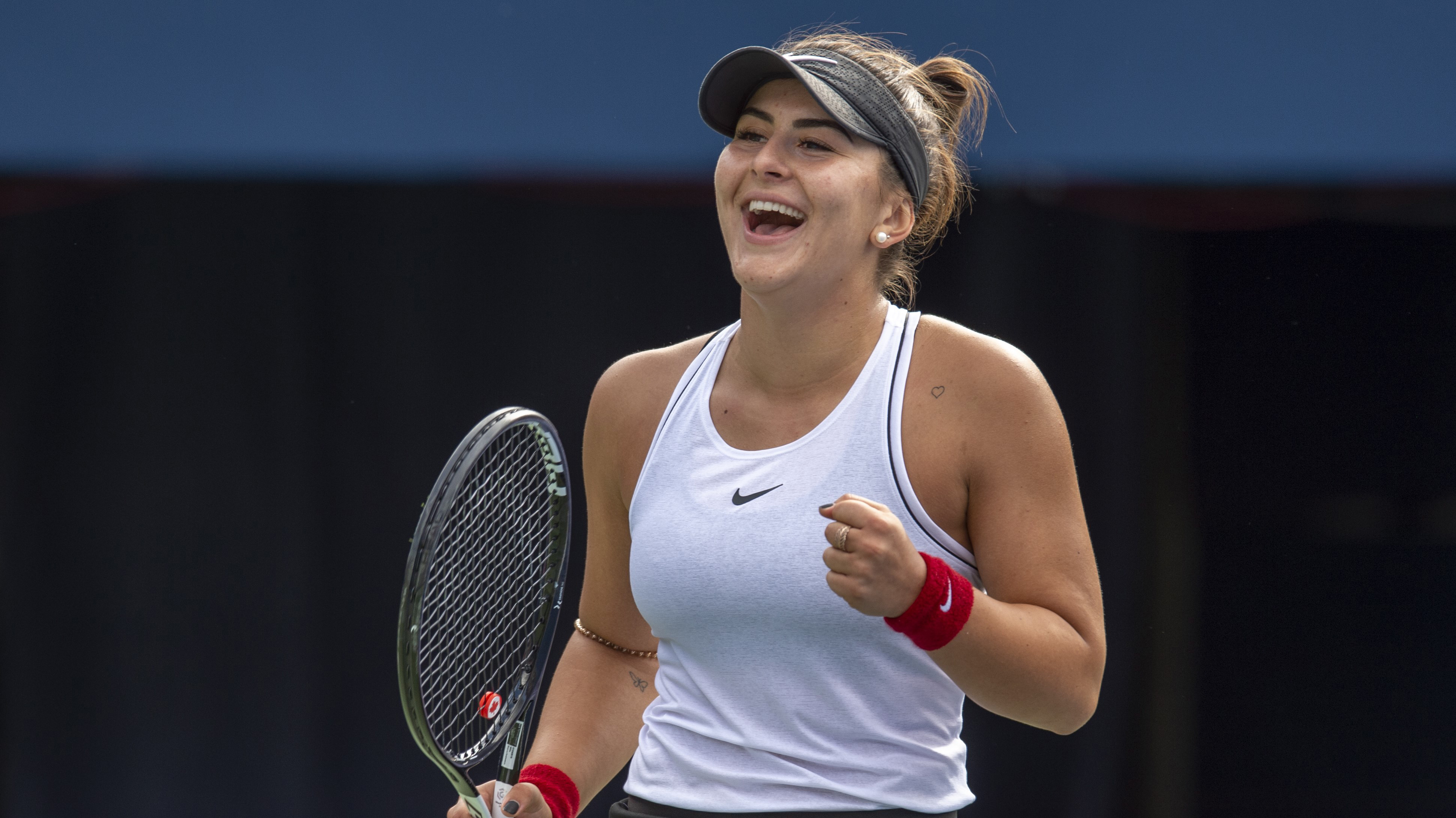 Bianca Andreescu overcomes injury to advance to Rogers Cup ...