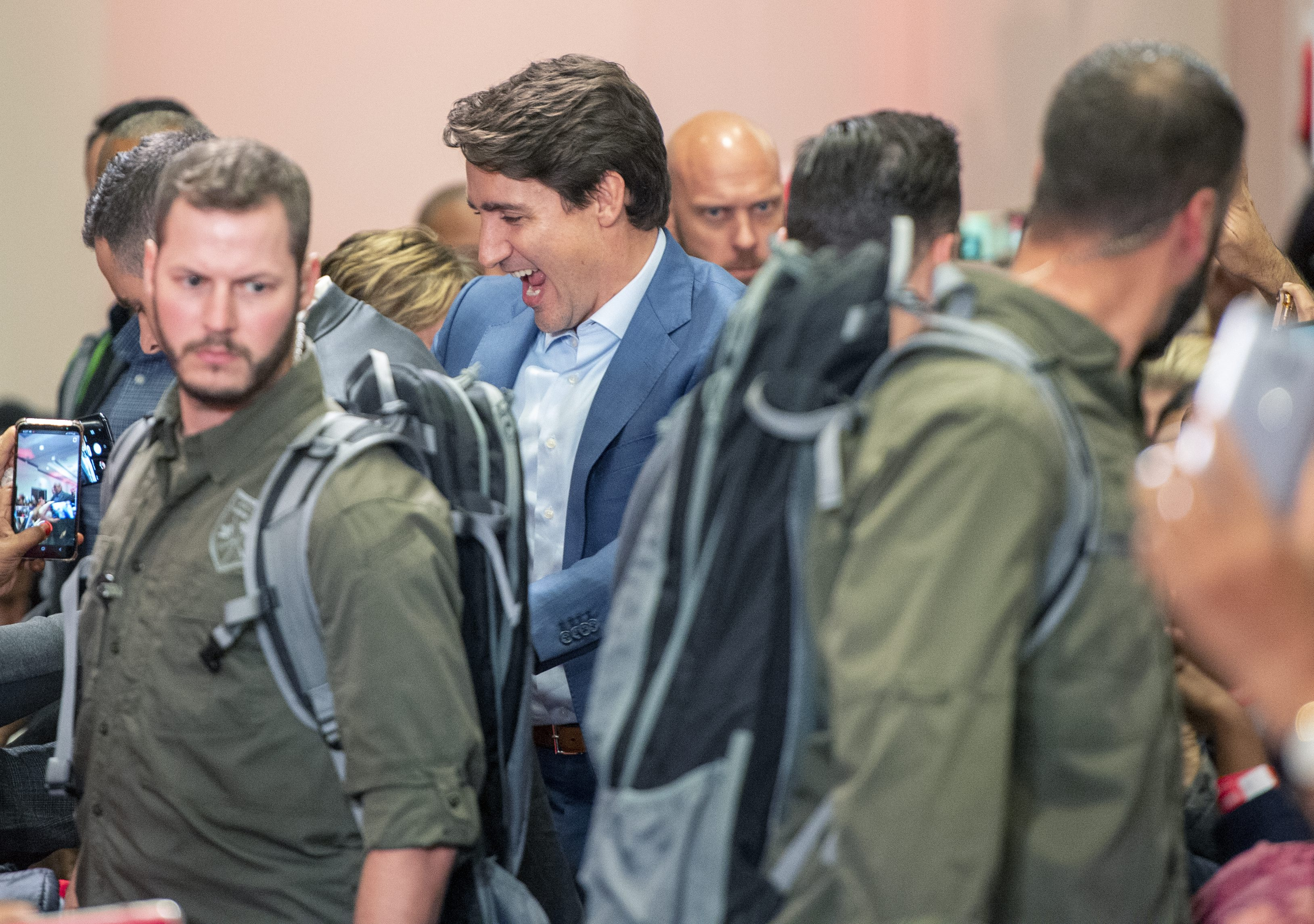 Trudeau appeared at rally in bulletproof vest amid security concern