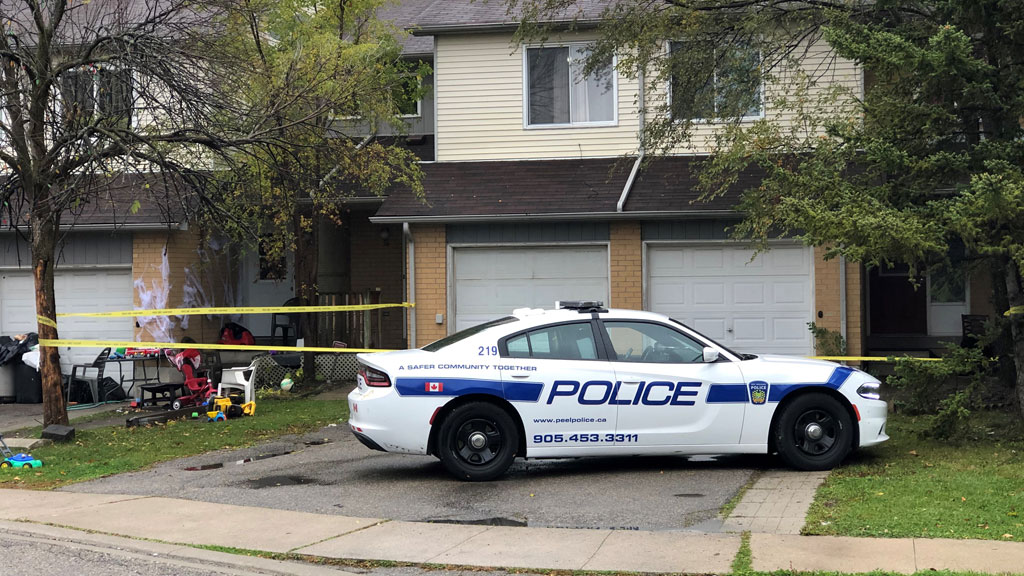Male critically injured in Mississauga stabbing, suspect arrested