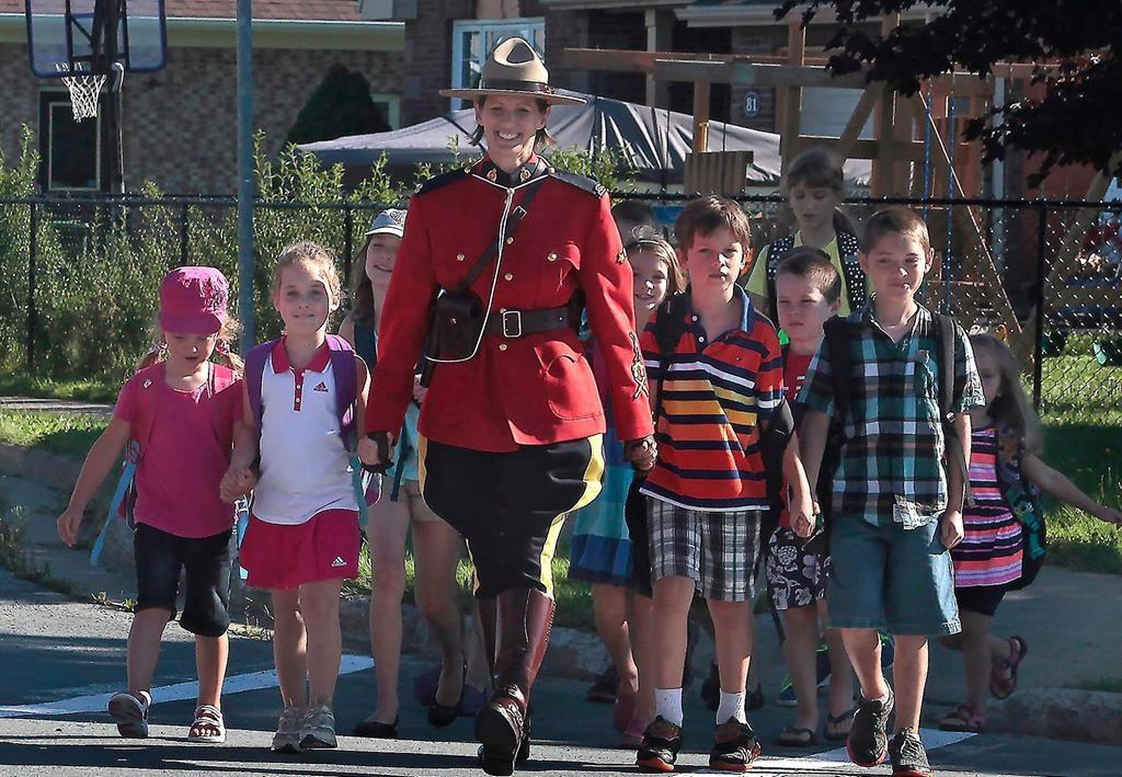 Nova Scotia Mountie saved lives by stopping mock police car: union - CityNews