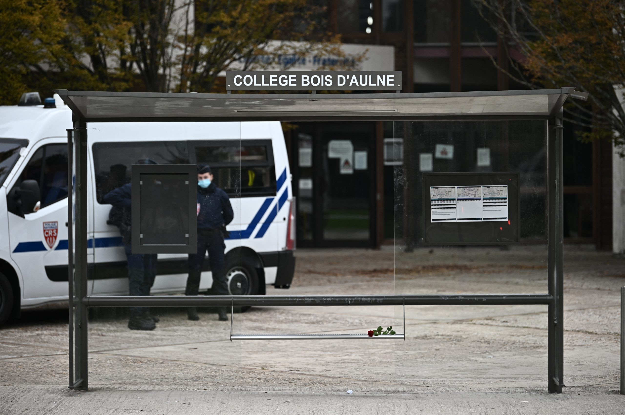 Teacher beheaded in France, suspected killer shot dead by police