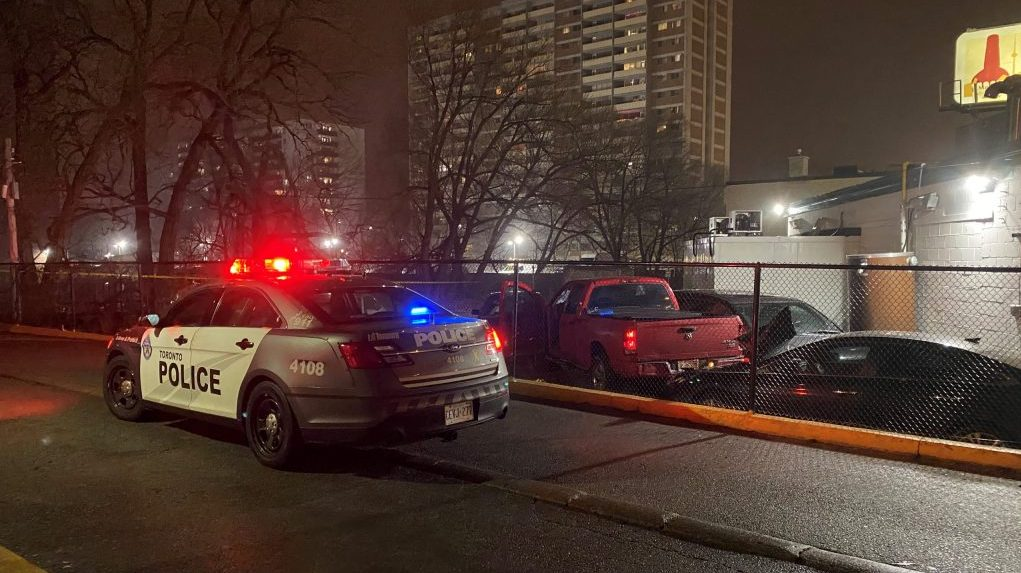 SIU investigating after man shot by Toronto police at Midland and Eglinton