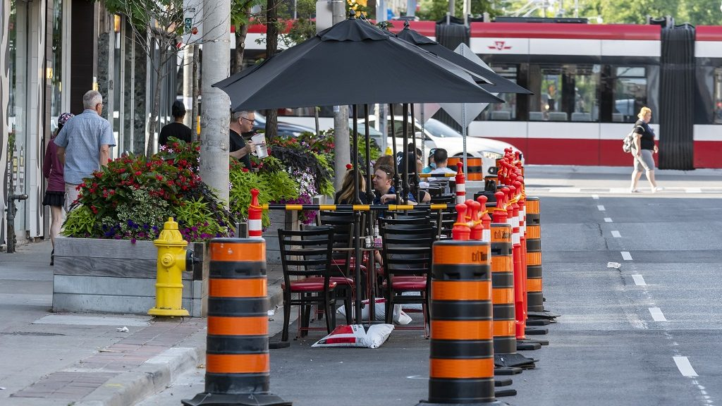 Outdoor dining now allowed in Toronto and Peel