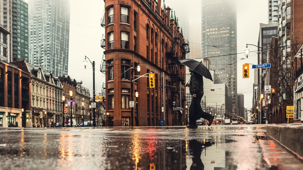 Heavy rain and strong winds in forecast for Mississauga and Brampton