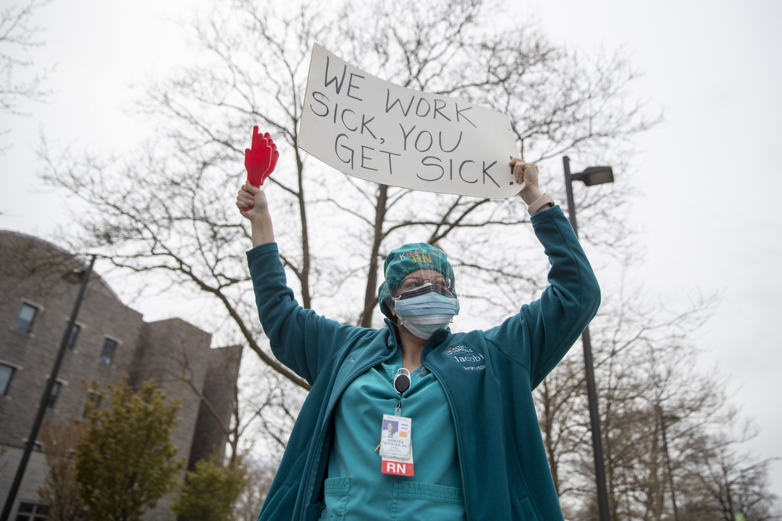 Ontario to give workers 3 paid sick days, reimburse businesses costs