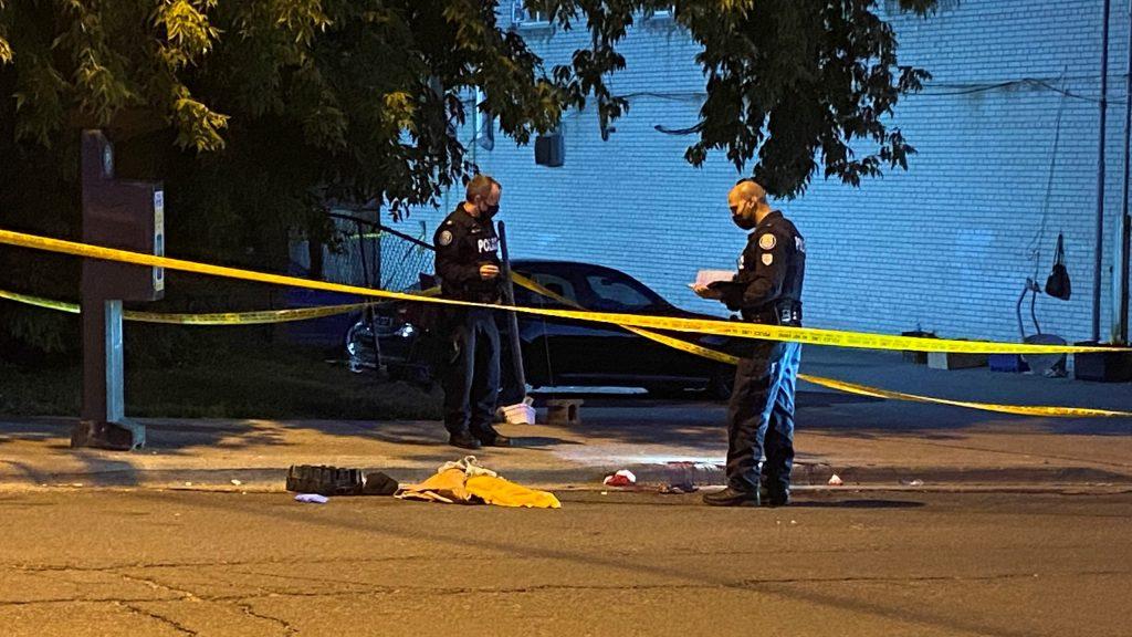 Man seriously injured in stabbing at Eglinton and Richardson - CityNews Toronto