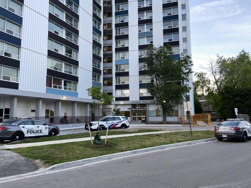 Man seriously injured following Kingston Road stabbing - CityNews Toronto