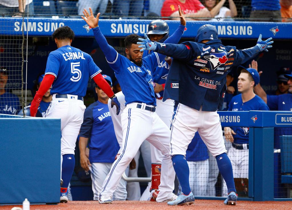 Toronto Blue Jays rout Baltimore Orioles to keep playoff hopes alive – CityNews Toronto